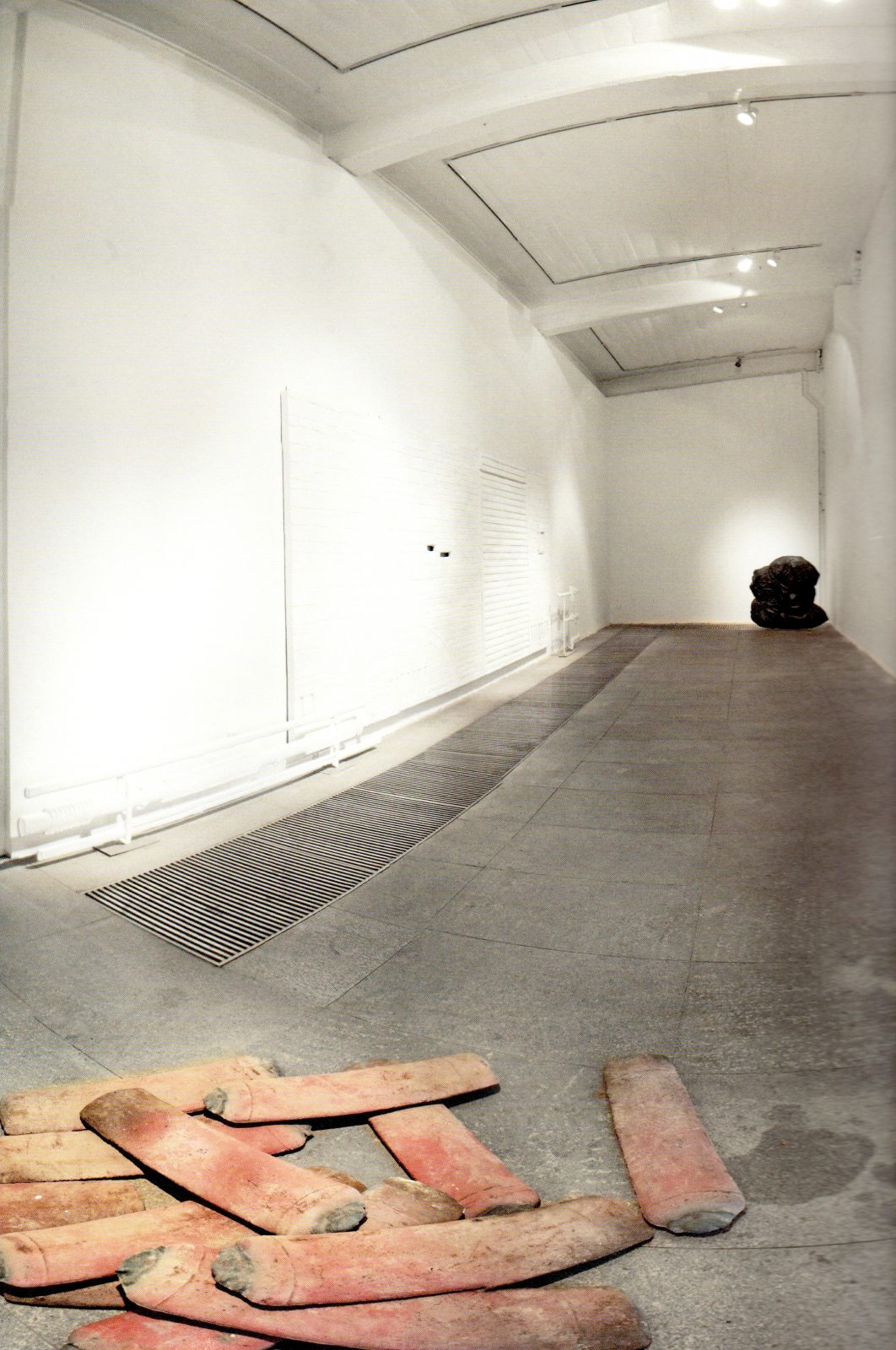 250 Kilos by Jiao Xingtao, Iron, Lacquer, 73x18x4cm, 2010